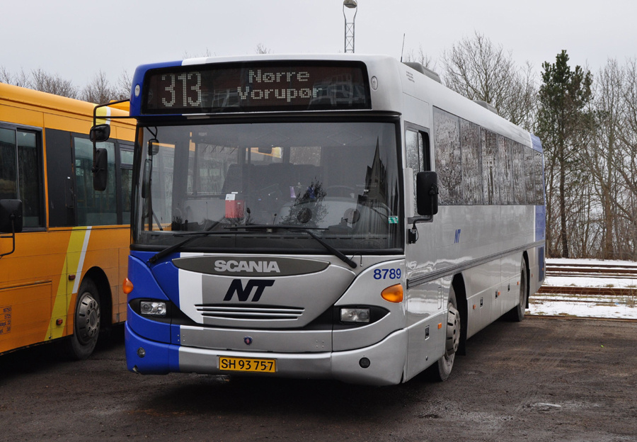 Arriva 8789/SH93757 i Thisted den 2. marts 2011