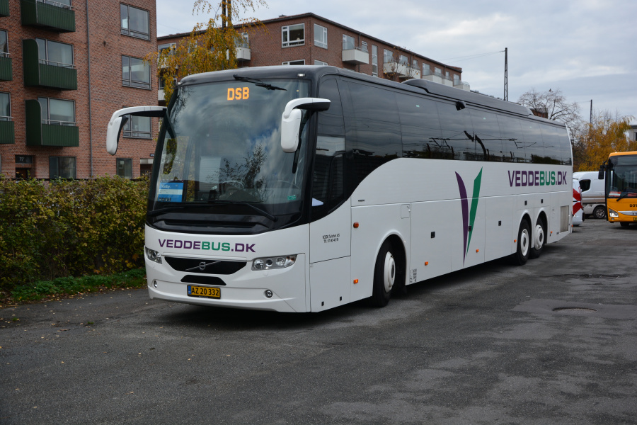 Vedde Turistfart 11/AZ20332 ved Valby Station den 4. november 2018