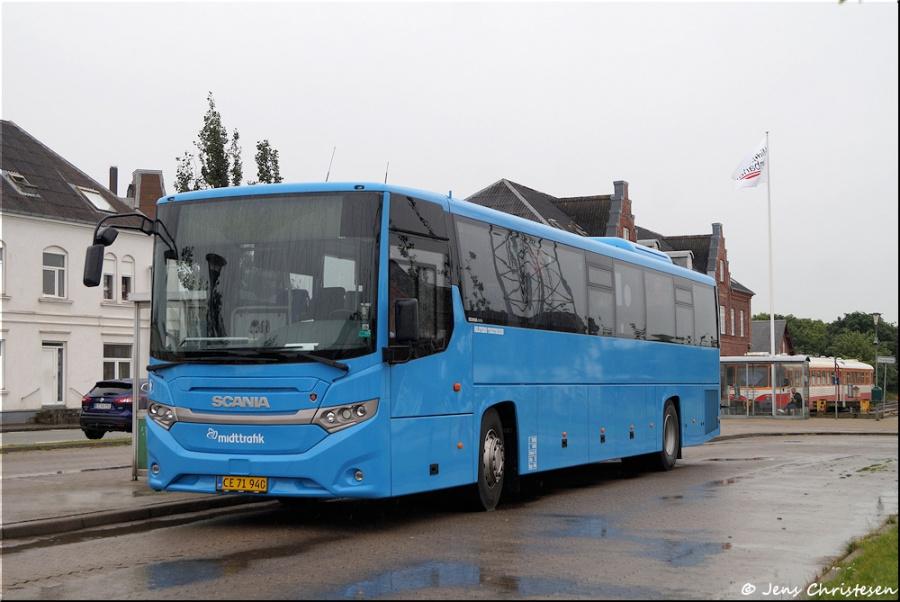 Holstebro Turistbusser 30/CE71940 på Lemvig Rutebilstation den 4. juli 2020