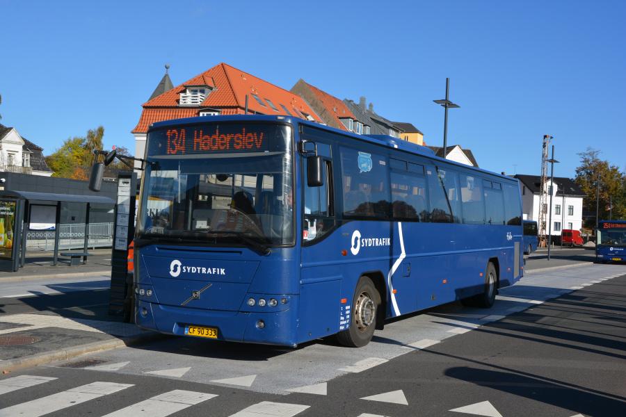 Tide Bus 8823/CF90333 på Kolding Rutebilstation den 18. oktober 2018