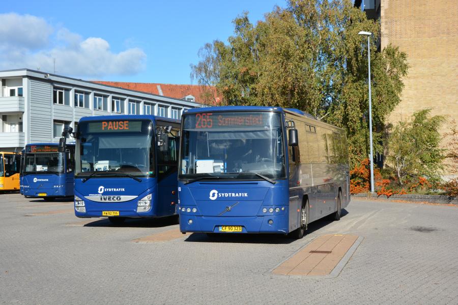 Tide Bus 8813/CF90323 og Umove 827/AW82706  i Haderslev den 18. oktober 2018