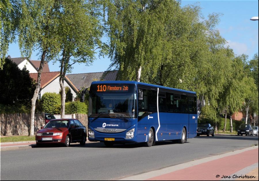 Umove 820/AW75943 på Apenrader Str. i Flensburg, Tyskland den 17. maj 2020