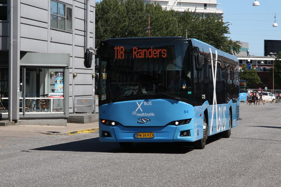De Grønne Busser 64/DW16923 på Århus Rutebilatation den 31. juli 2020