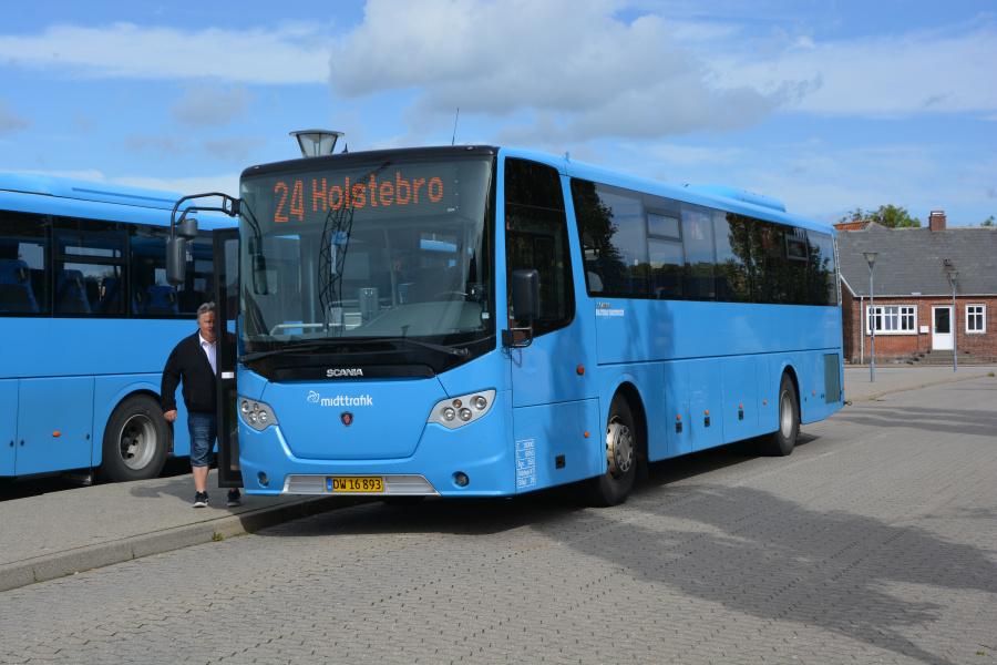 Holstebro Turistbusser 25/DW16893 ved Lemvig St. den 10. september 2018