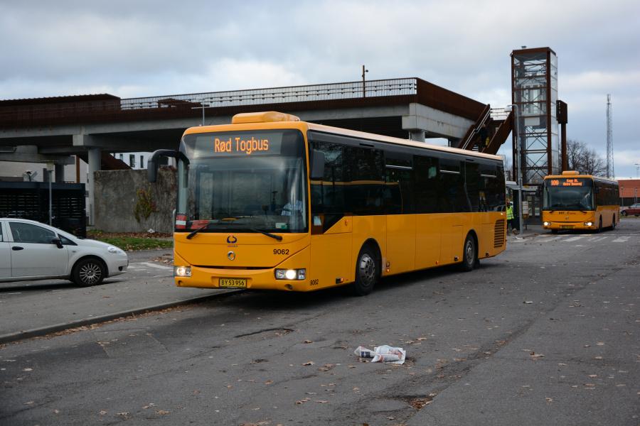 Lokalbus 9062/BY53956 ved Køge Station den 18. november 2018