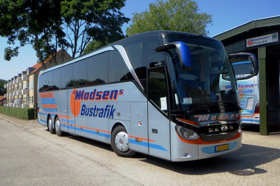 Madsens Bustrafik BB22699 i Nakskov den 23. juni 2020