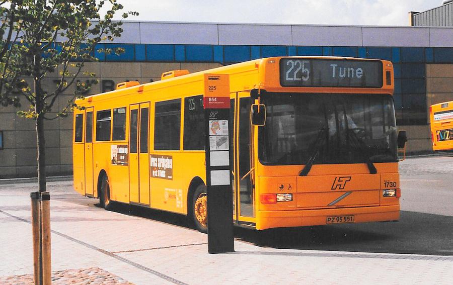 Arriva 1730/PZ95551 ved Hundige Station den 14. juli 1999