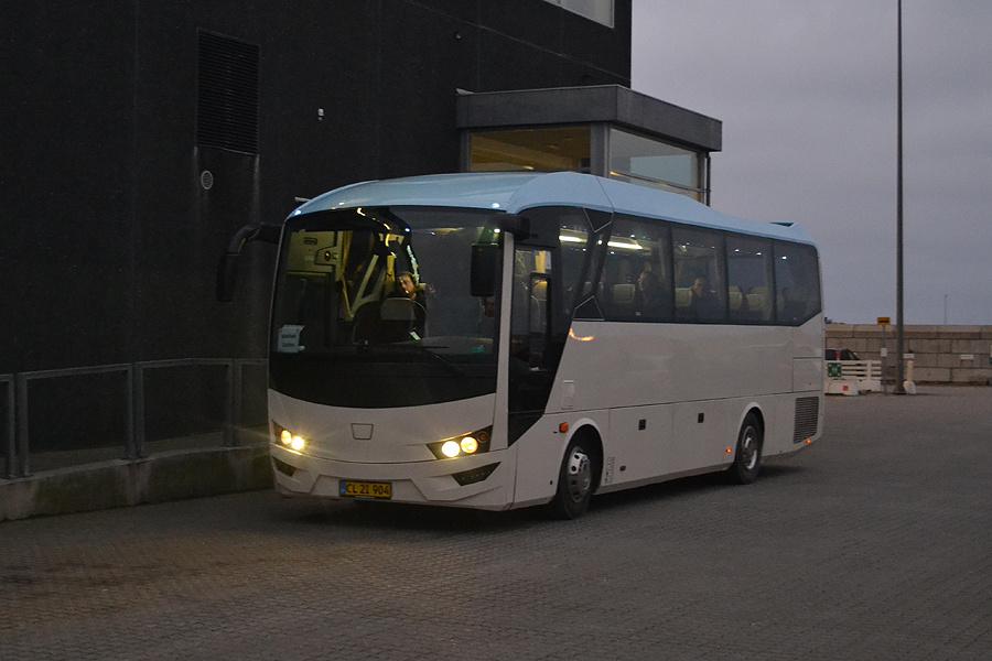 Hirtshals Turist CL21904 ved Fjord Lines terminal i Hirtshals den 24. november 2019