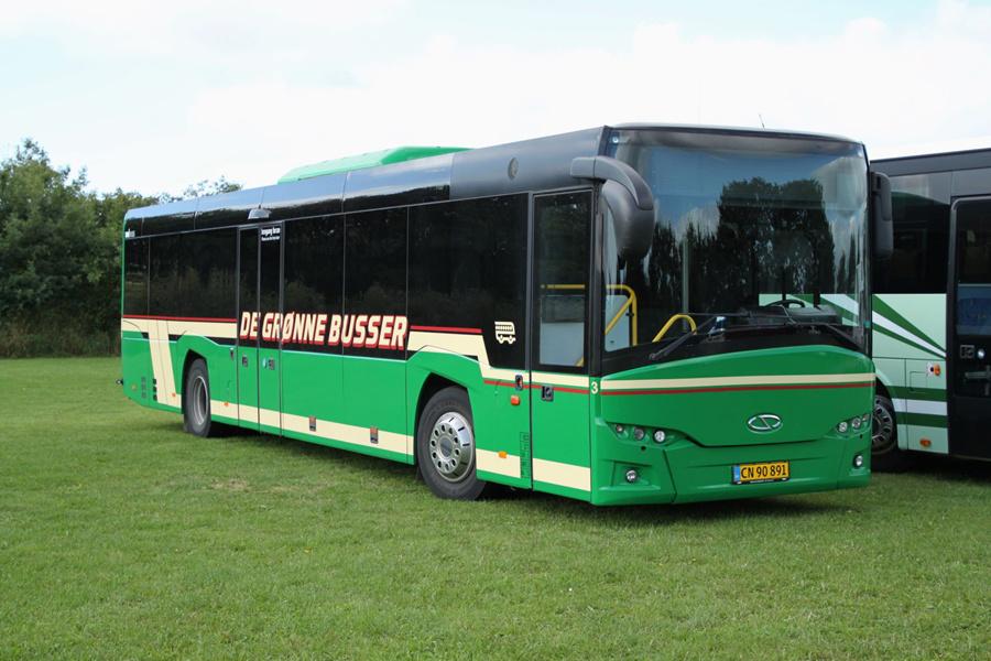 De Grønne Busser 3/CN90891 ved Ribe Vikinge Center syd for Ribe den 10. september 2020
