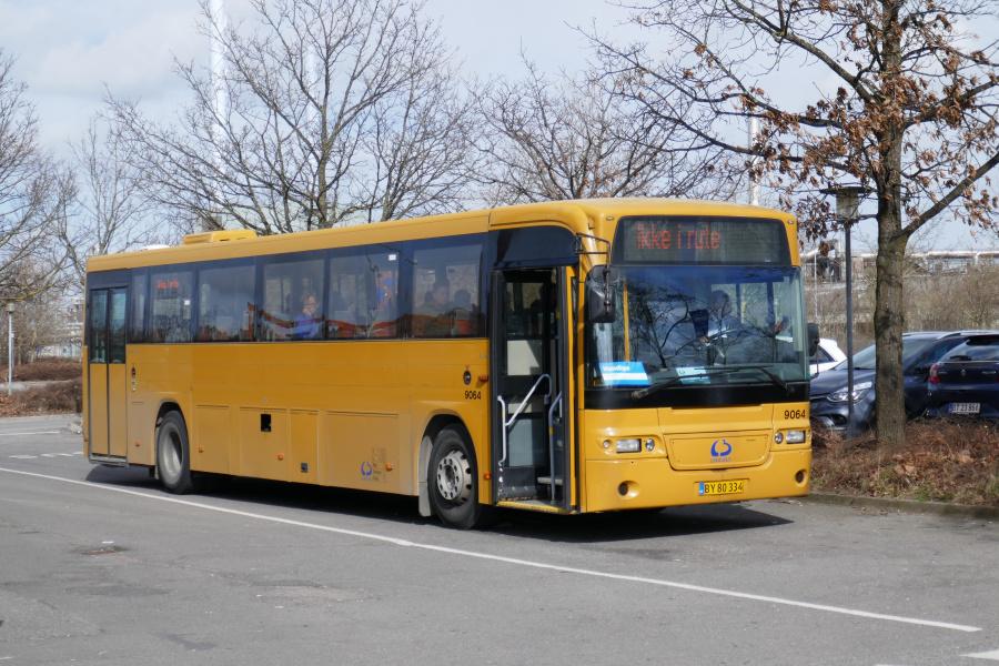 Lokalbus 9064/BY80334 ved Køge Station den 23. marts 2019