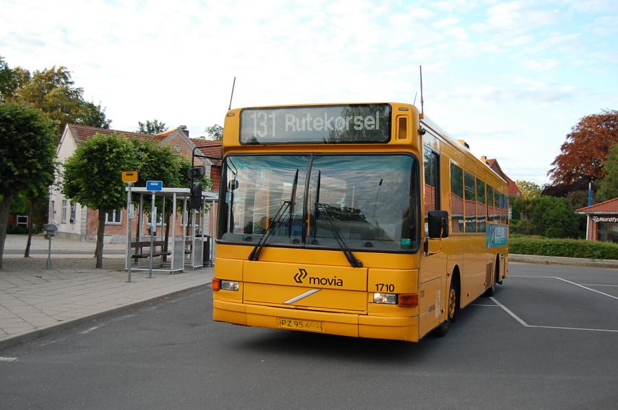 Arriva 1710/PZ95492 på Brenderup Rutebilstation den 15. juni 2011