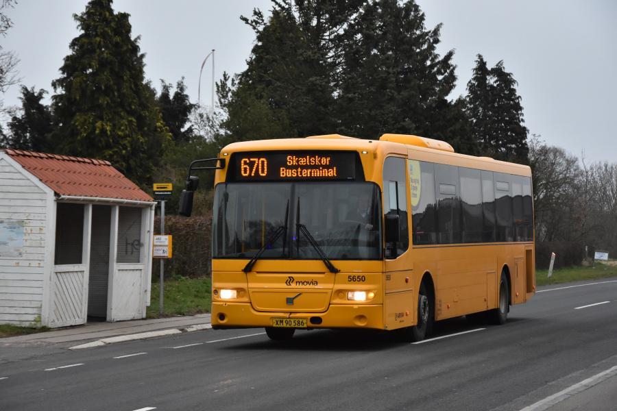 Arriva 5650/XM90586 på Næstved Landevej i Rude den 22. marts 2019