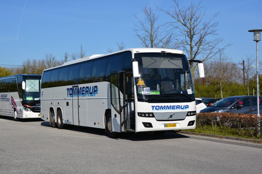 Tommerup Turistfart 35/AU74405 ved Nyborg Station den 20. april 2019