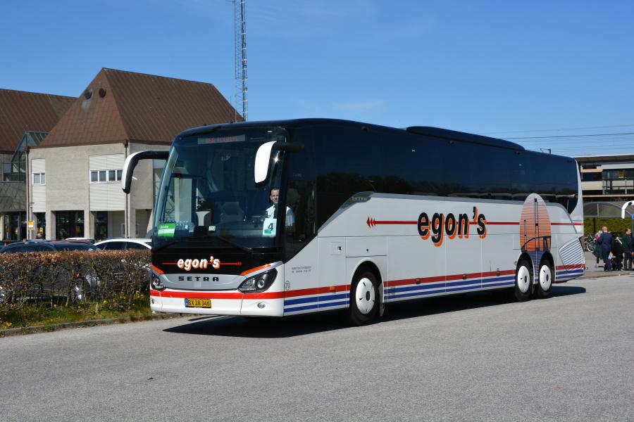 Egons Turist- og Minibusser 273/BX28346 ved Nyborg Station den 20. april 2019