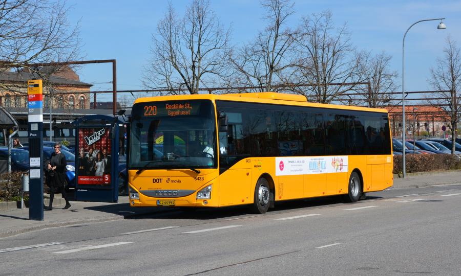 Nobina 6433/CJ44991 ved Roskilde Station den 20. april 2019