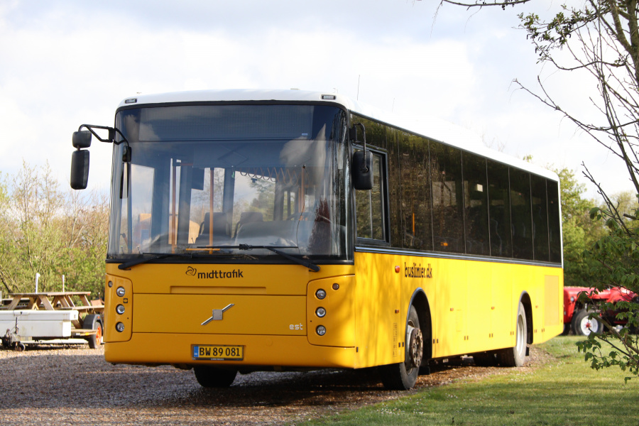 Brande Buslinier 46/BW89081 i Lomborg den 1. maj 2020