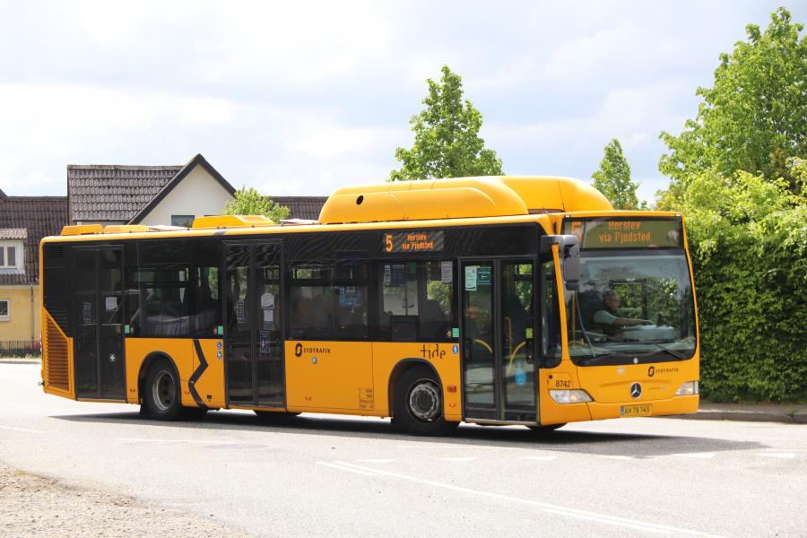 Tide Bus 8742/AH7834 i Pjedsted den 25. maj 2020