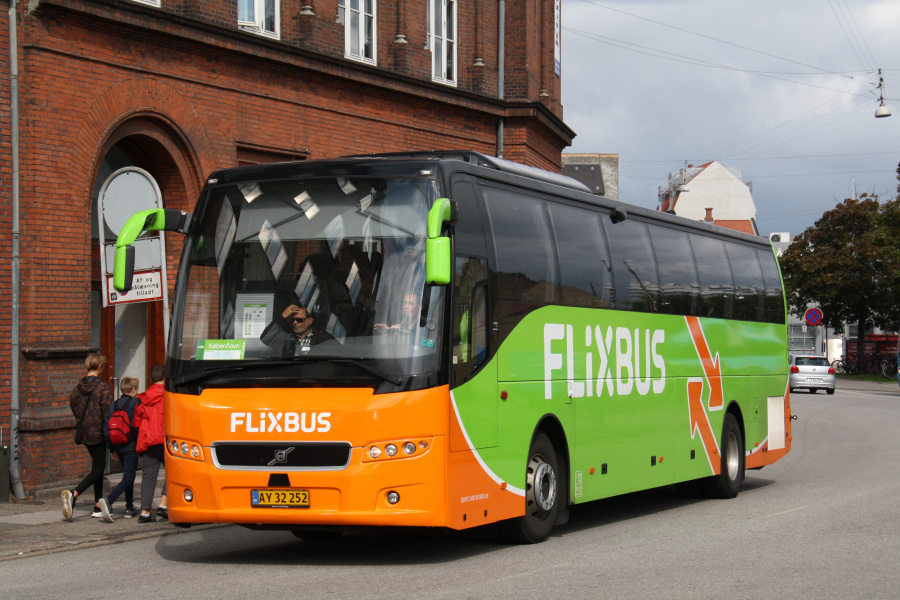 Skovlunde Busser 25/AY32252 i Ny Banegårdsgade i Århus den 31. august 2018
