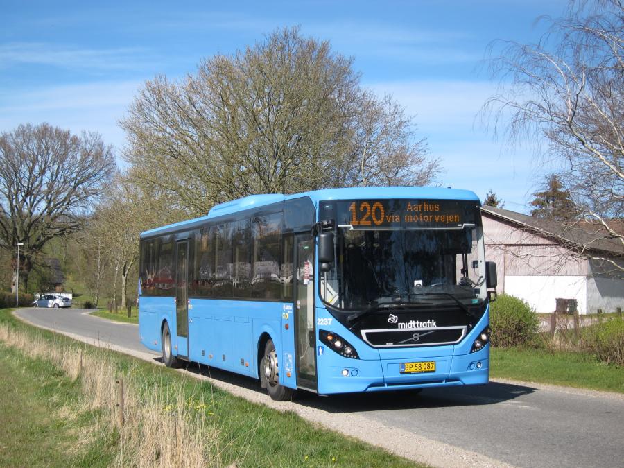 Arriva 2237/BP58087 på Askhøjvej i Albøge den 17. april 2020