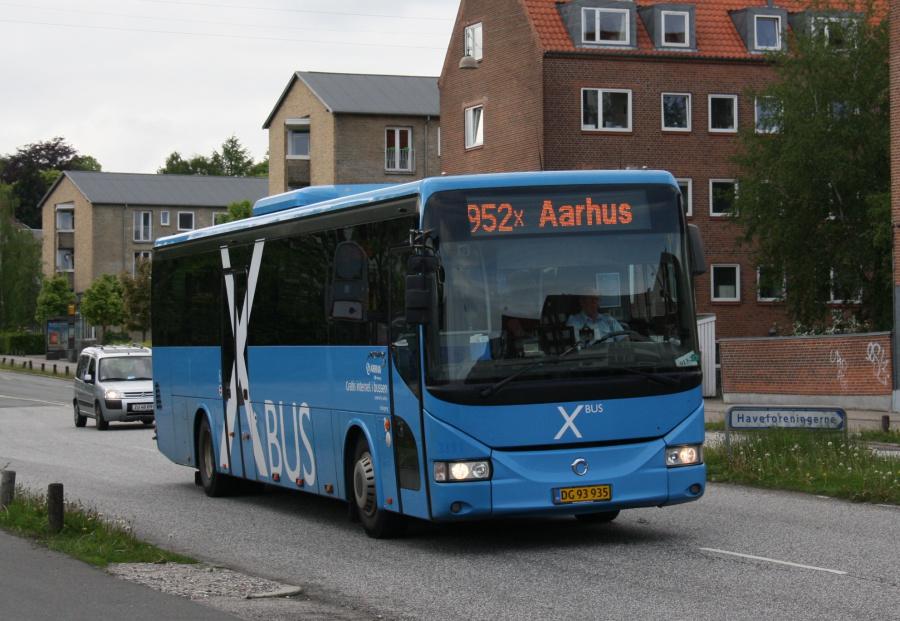 Arriva 3111/DG93935 på Silkeborgvej i Århus den 23. maj 2016