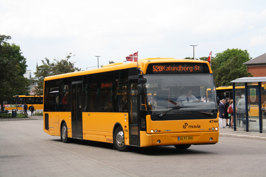 Ditobus 4744/AG97306 ved Holbæk St. den 15. juni 2016