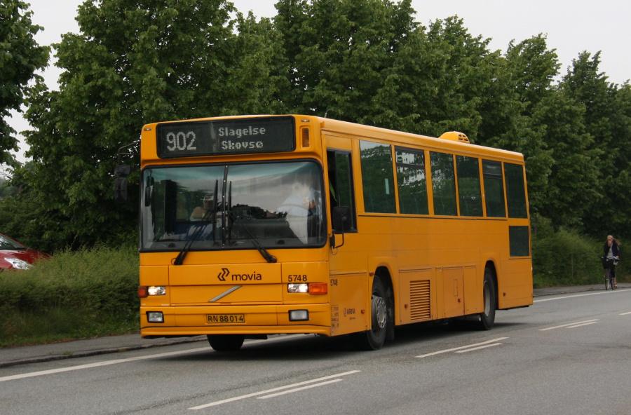 Arriva 5748/RN88014 ved Slagelse St. den 16. juni 2016