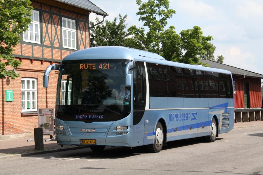 Jørns Busser DF89854 ved Ry St. den 17. juni 2016