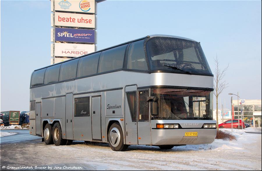 Løkken Turistbusser TD97998 i Handewitt i Tyskland den 4. december 2010
