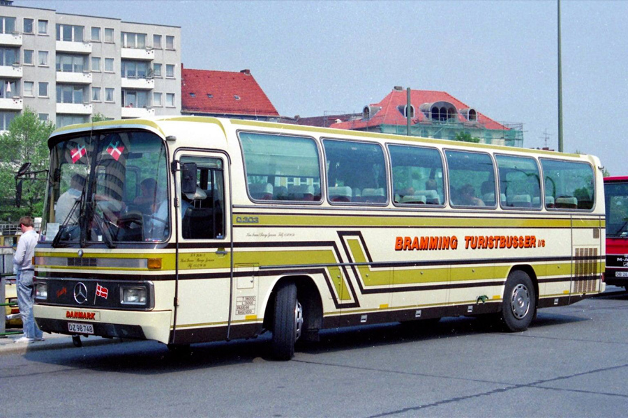 Bramming Turistbusser DZ98748 i Bielefeld-Kesselbrink i Tyskland i maj 1989