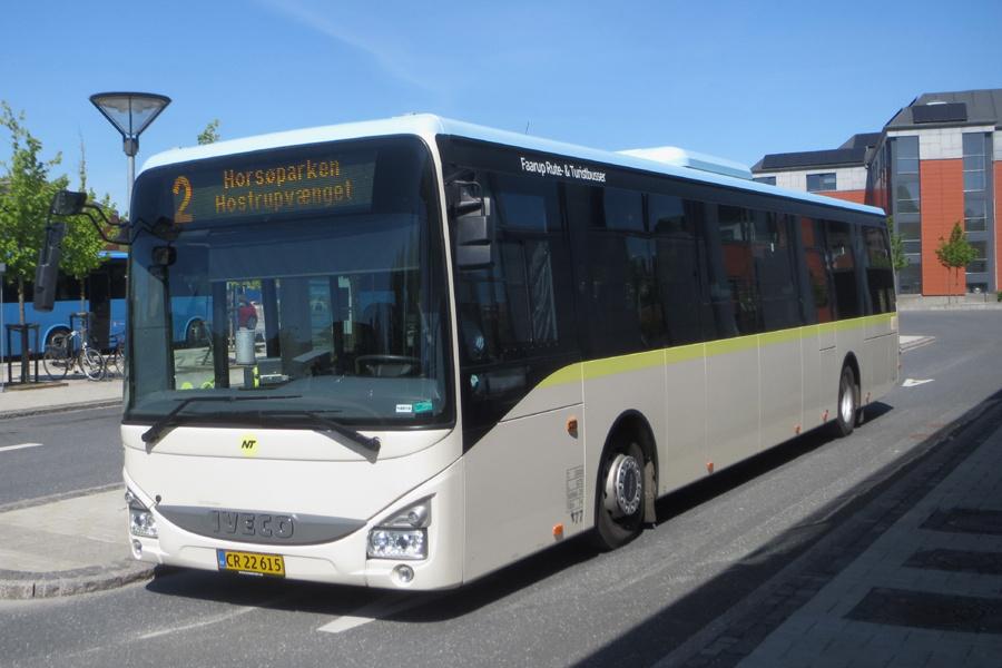 Faarup Rute- og Turistbusser 77/CR22615 på Hobro Rutebilstation den 31. maj 2021