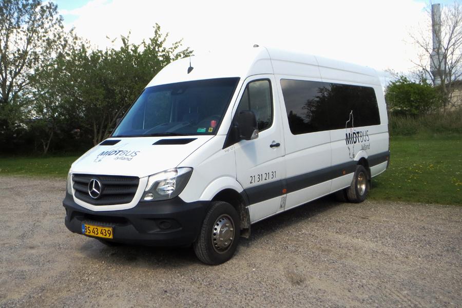 Midtbus Jylland 127/BS43439 i Viborg den 27. maj 2021