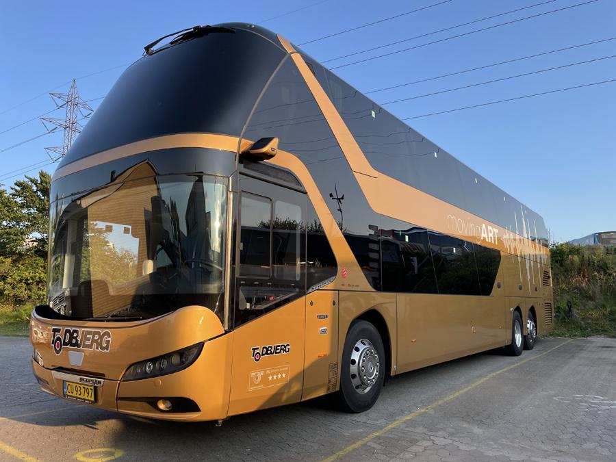 Todbjerg Busser 015/CU93797 på Sintrupvej i Brabrand den 23. august 2021
