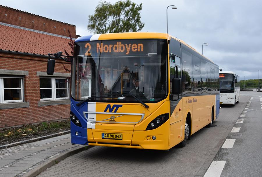 Snedsted Turistbusser AU90042 i Nykøbing Mors den 26. maj 2021