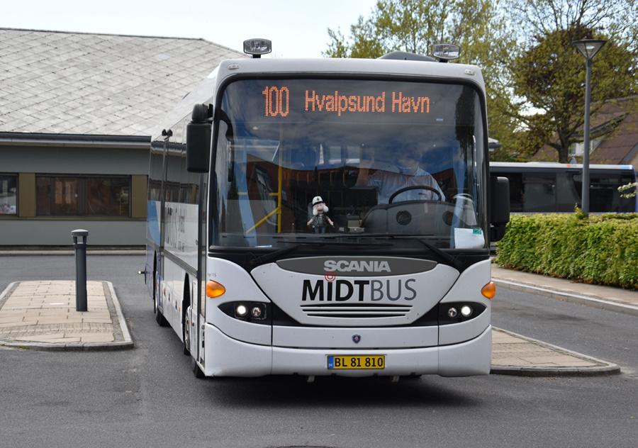 Midtbus Jylland 115/BL81810 i Farsø den 27. maj 2021