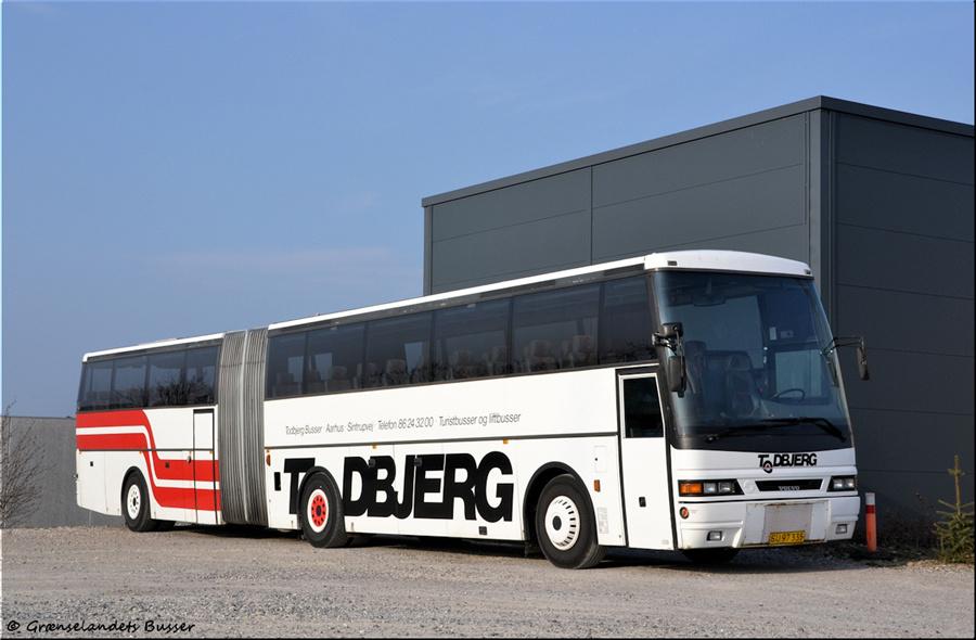 Todbjerg Busser SU97335 i garagen i Brabrand den 21. april 2012