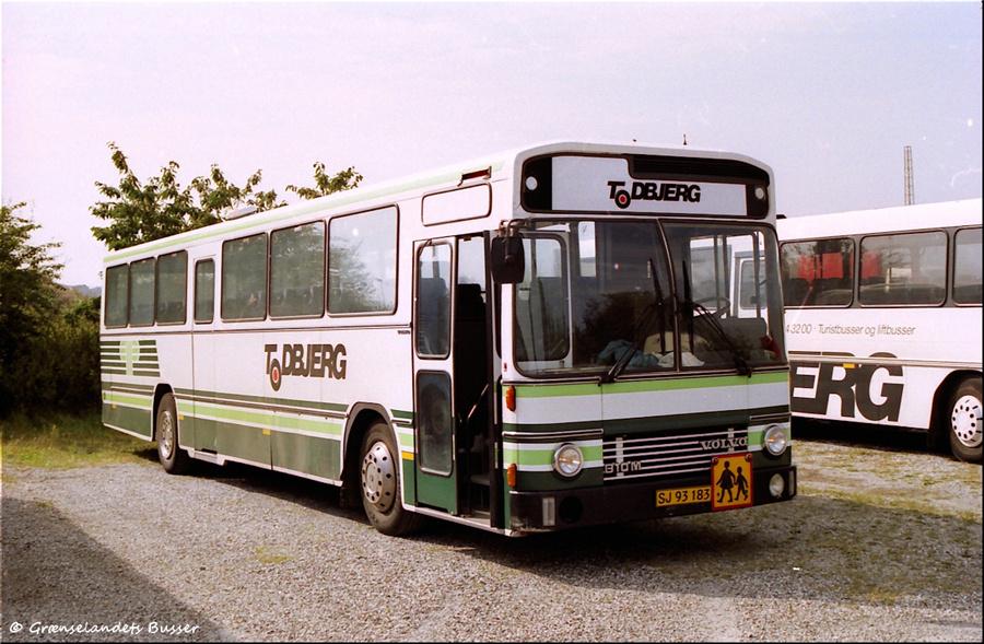 Todbjerg Busser SJ93183 i Grenaa i juli 2002