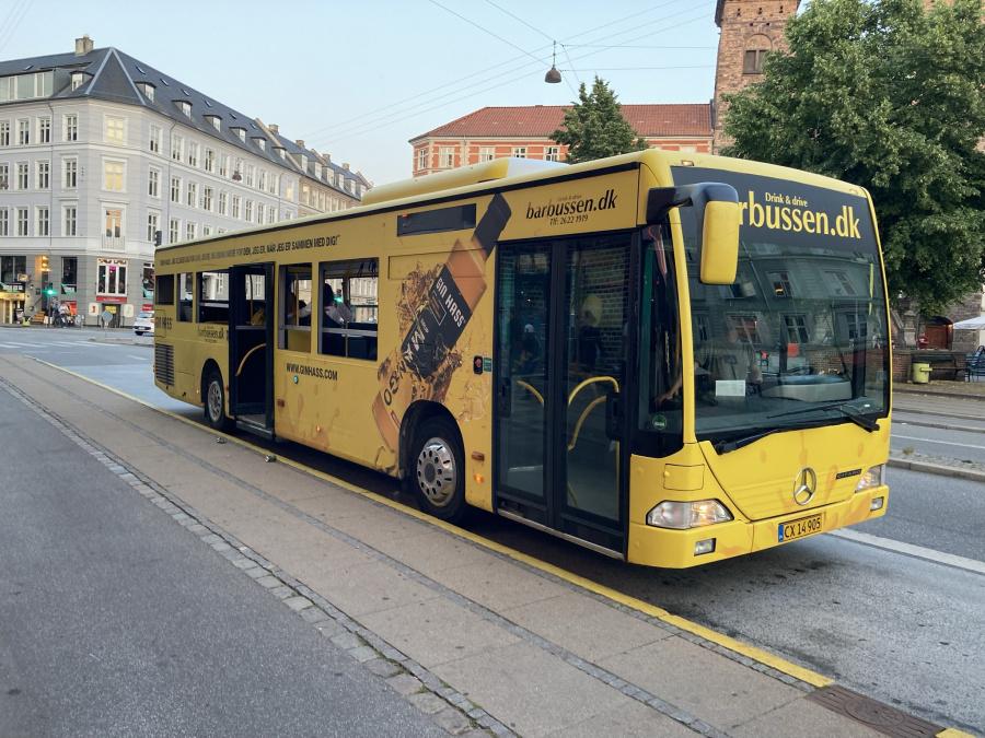 Barbussen.dk CX14905 ved Vesterbro Torv i København den 24. juli 2021