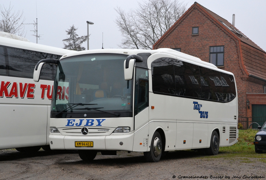 TaxiBus Ejby XM94412 i Flensburg i Tyskland den 29. november 2011