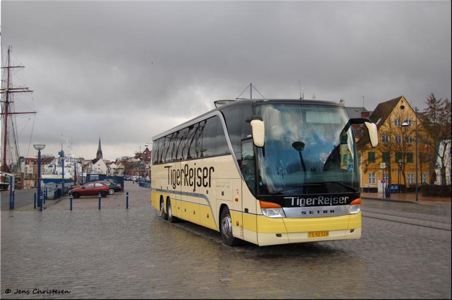 Tigerbus Rejser TS92528 på Schiffbrücke i Flensburg i Tyskland den 4. april 2006