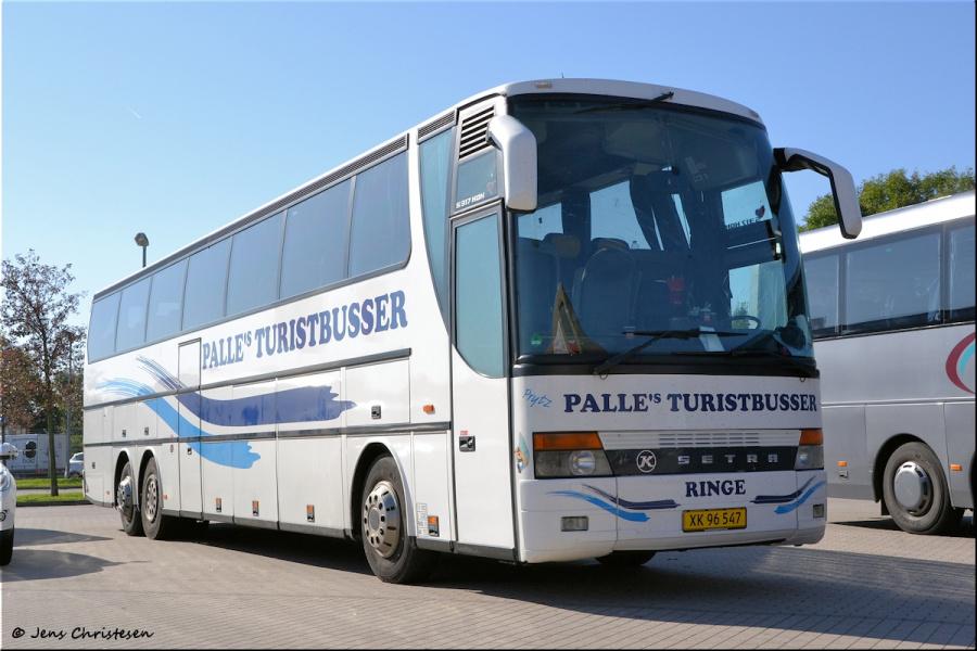 Palles Turistbusser XK96547 i Harrislee i Tyskland den 1. november 2011