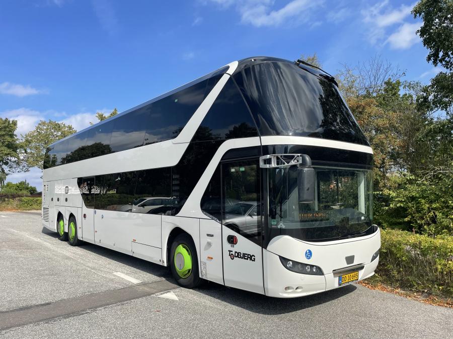 Todbjerg Busser 041/DD10695 i Hasselager den 8. september 2021